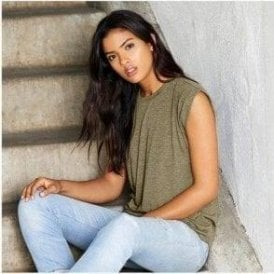 Women's Flowy Muscle T-Shirt With Rolled Cuff